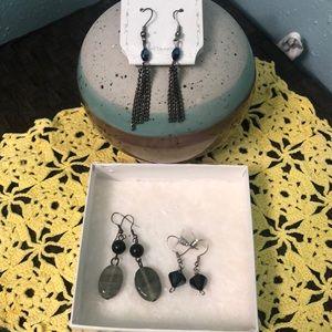 Set of 3 earrings.
